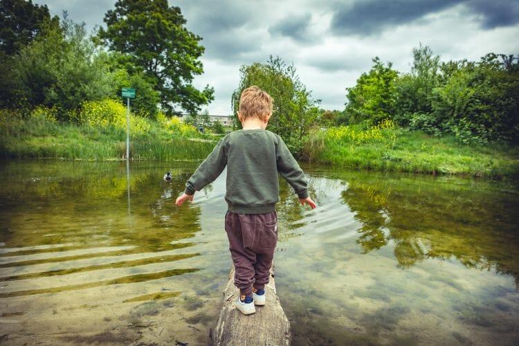 Raaf Thijssen bij de oosterplas in Den Bosch gemaakt door De familie fotograaf uit Den Bosch ('s-Hertogenbosch) en omgeving.