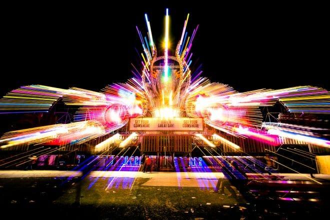 Veel lichtjes Festival Paaspop gemaakt door De Festivalfotograaf uit Den Bosch ('s-Hertogenbosch) en omgeving.