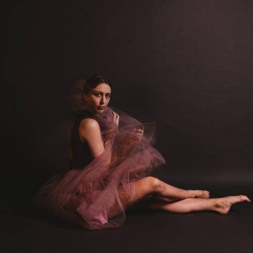 Ballerina roze tutu gemaakt door de beste fotograaf uit Den Bosch ('s-Hertogenbosch) en omgeving