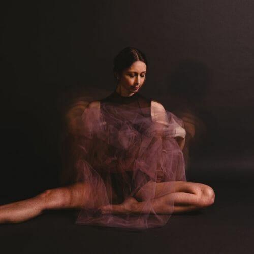 Ballerina met roze tutu gemaakt door de beste fotograaf uit Den Bosch ('s-Hertogenbosch) en omgeving