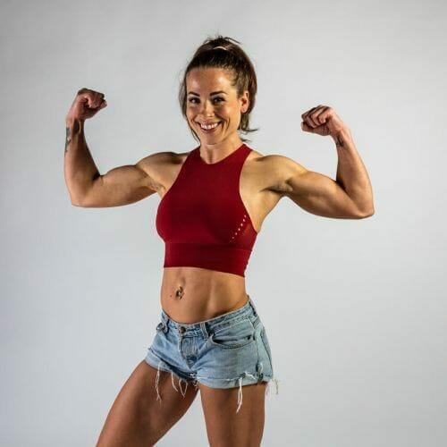 fitness model met biceps an Dennis Khalil de beste fotograaf uit Den Bosch ('s-Hertogenbosch) en omgeving